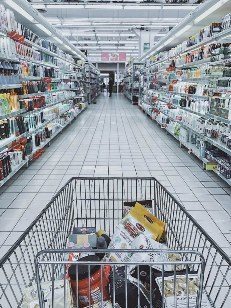 shopping-trolley-in food business